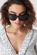 NA-KD Accessories Cat Eye Sunglasses - Black